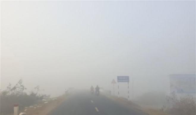 Sương mù dày đặc, người dân Đắk Lắk bật đèn 'dò dẫm' giữa ban ngày - 4