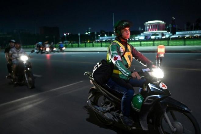 Chuyện về đội cứu hộ miễn phí xuyên đêm ở Hà Nội - 5