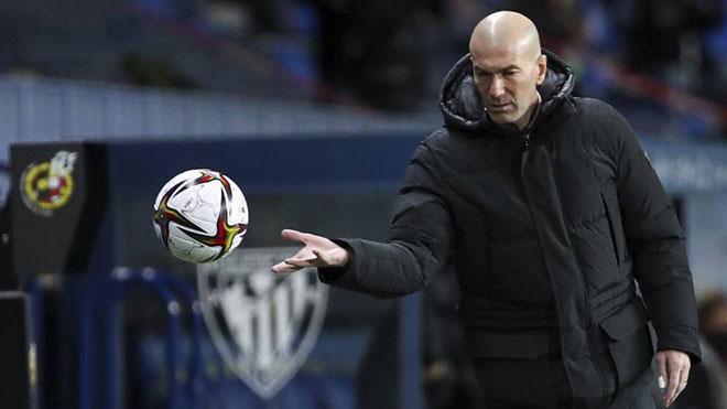 Fan Real nổi điên vì thất bại ở Siêu cúp TBN, đòi cho Zidane nghỉ việc - 1