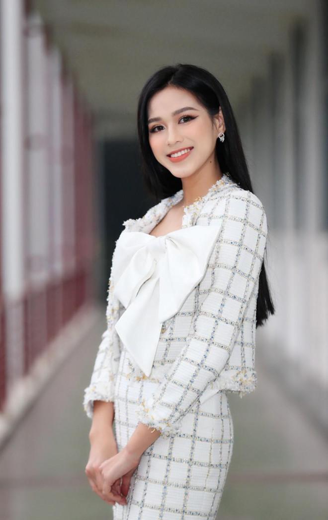 Hoa hậu Đỗ Thị Hà và Á hậu Phương Anh, Ngọc Thảo giản dị vẫn cực xinh đẹp - 4