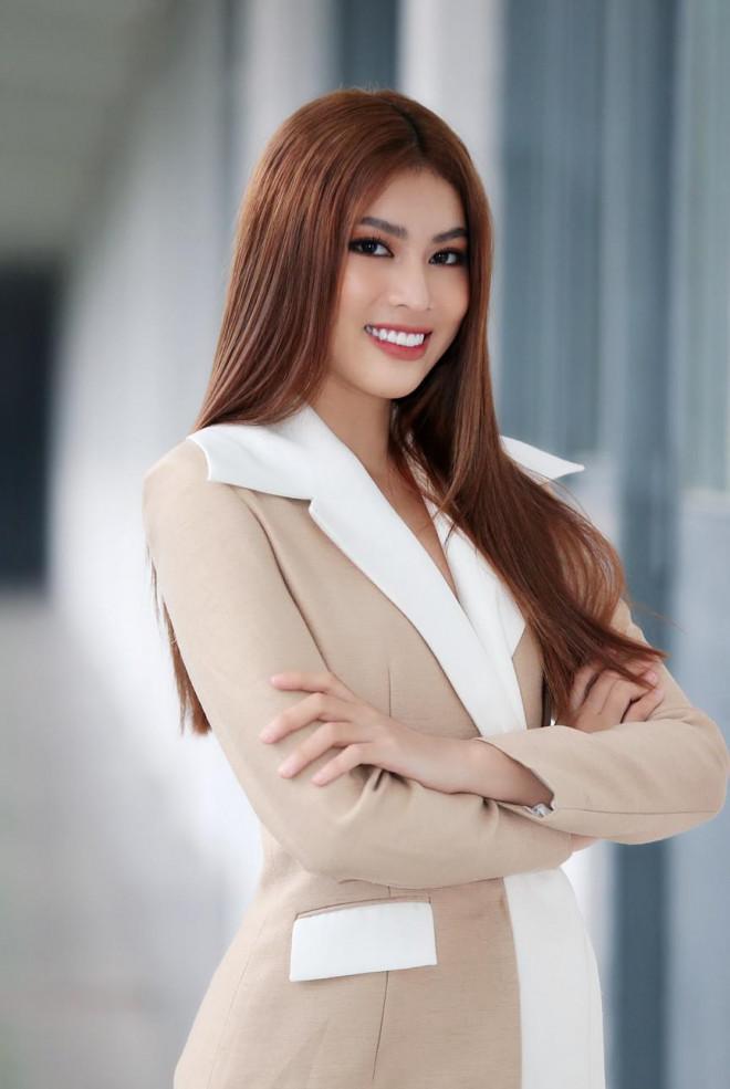 Hoa hậu Đỗ Thị Hà và Á hậu Phương Anh, Ngọc Thảo giản dị vẫn cực xinh đẹp - 10
