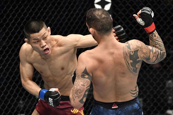 Cao thủ hàng đầu võ Trung Quốc tung 1 đấm, đối thủ 1m83 bất tỉnh ở UFC - 1