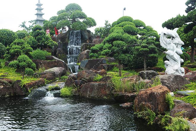 Hồ cá Koi sử dụng nhiều đá bán quýlớn nhất Việt Nam - 4