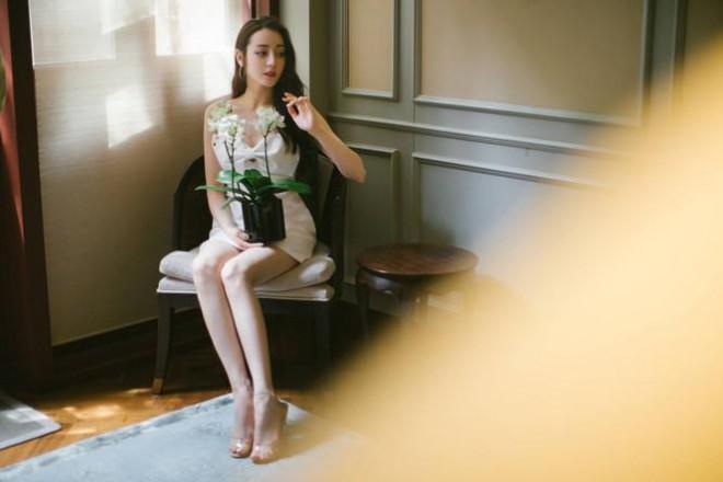 Mỹ nhân Tân Cương lưng trần dáng thon, ngày càng đẹp và quyến rũ - 10