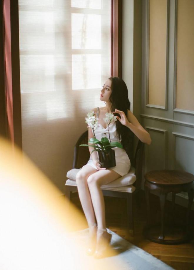 Mỹ nhân Tân Cương lưng trần dáng thon, ngày càng đẹp và quyến rũ - 11