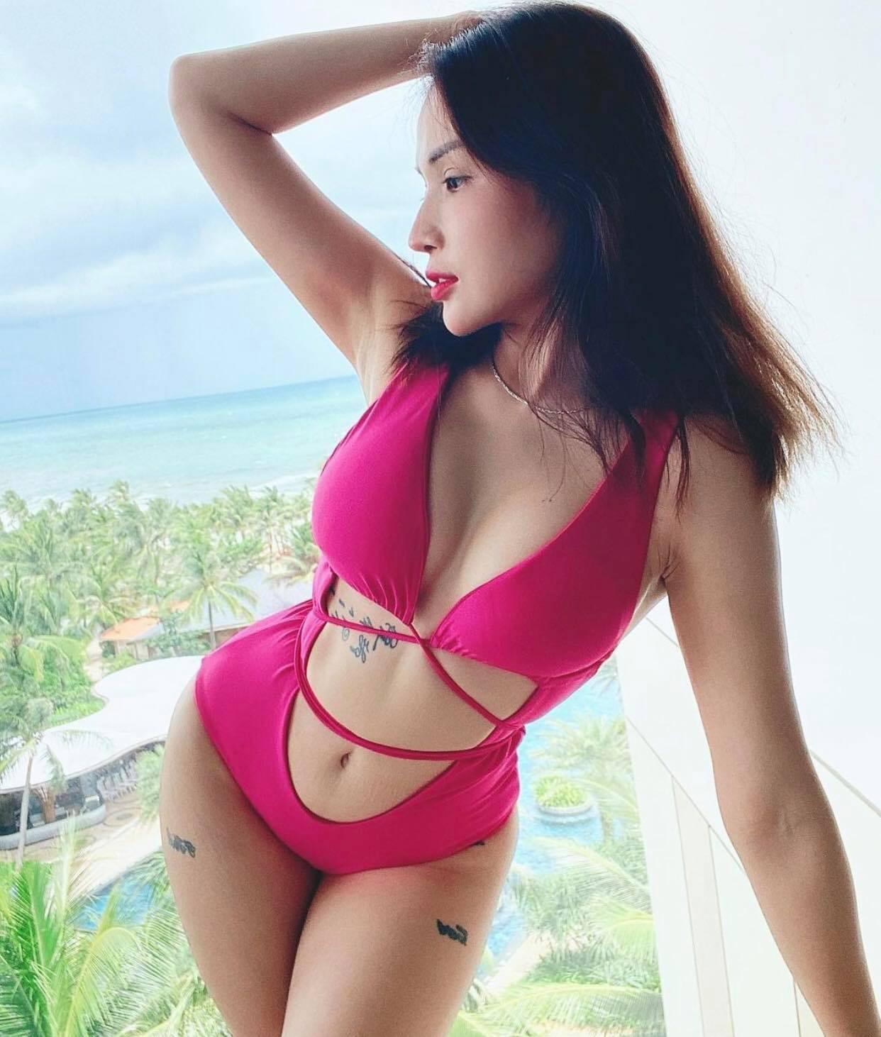 """Vì đâu người đẹp này xứng danh """"đệ nhất mỹ nữ vòng 1 đẹp làng hài Việt""""? - 1"""