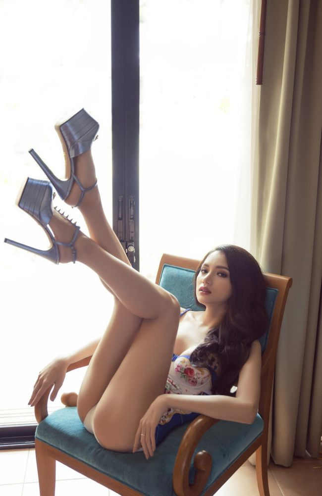 Hương Giang là một trong những nàng hậu được nhắc tới nhiều trong năm 2020 vì những câu chuyện không mong muốn.