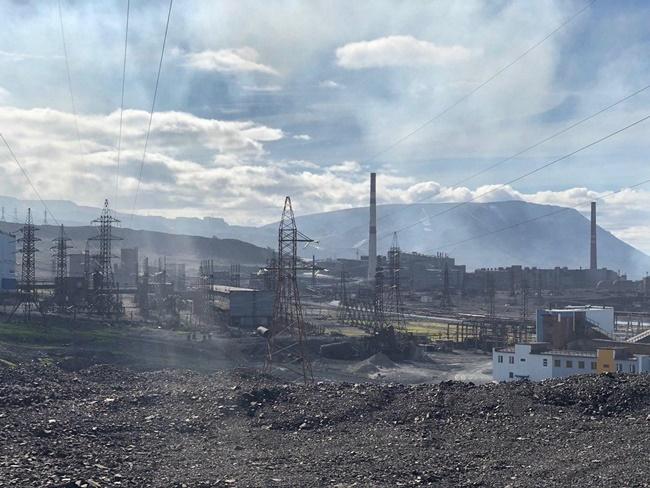 Thành phố Norilsk ở Siberia, Nga được biết đến là nơi có công ty khai thác NikenMMC Norilsk Nickel PJSC. Nếu muốn đến thành phố ở vòng cực Bắc này chỉ có cách đi bằng máy bay hoặc thuyền. Tuy nhiên, nơi đây có thể sắp nổi tiếng khi trang trại đào BitcoinBitCluster đã được lập nên. Trang trại được đưa vào hoạt động năm 2020, nhưng đang có kế hoạch mở rộng.