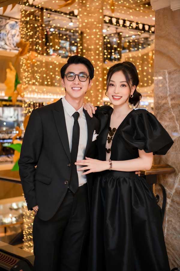 Thụy Vân diện váy cúp ngực trẻ xinh như búp bê, Quỳnh Nga đeo vương miện trăm triệu - 2