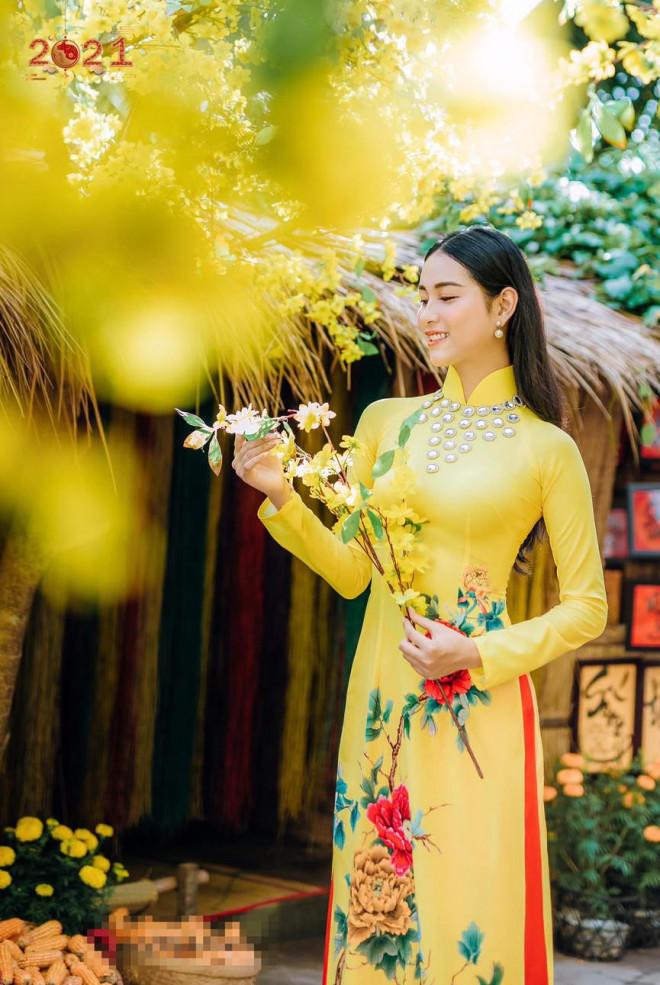 Top 5 Người đẹp Biển HHVN 2020 khoe đường cong quyến rũ với áo dài - 2