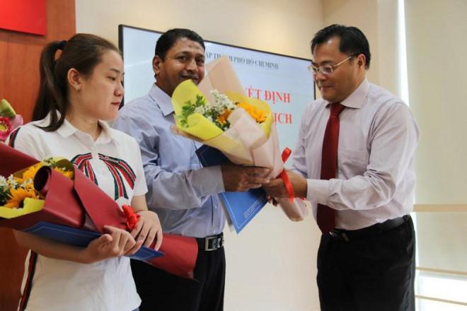 Niềm vui của 2 người vừa nhập quốc tịch Việt Nam - 2