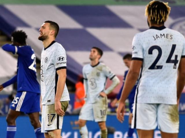 """Leicester City soán ngôi số 1 của MU: Fan Chelsea cay cú tố """"Bầy cáo"""" ăn may"""