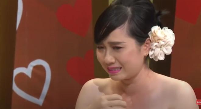 Nàng dâu khóc nức nở kể chuyện bố chồng khó tính trên sóng truyền hình - 4