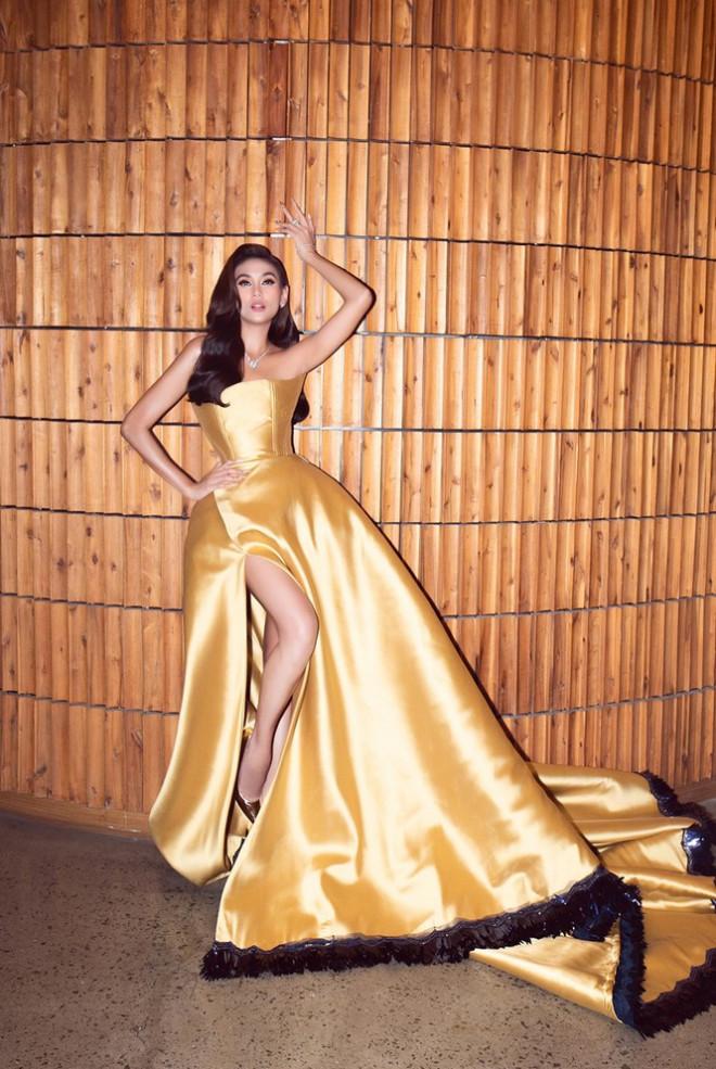 """Võ Hoàng Yến tiết lộ chiếc váy """"công chúa Belle"""" của cô được may trong thời gian siêu ngắn - 1"""