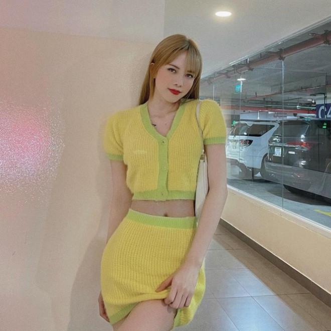 Đắng như Thiều Bảo Trâm: Vừa khoe dáng đã bị nghi mặc đồ nhái của váy Jennie diện - 3