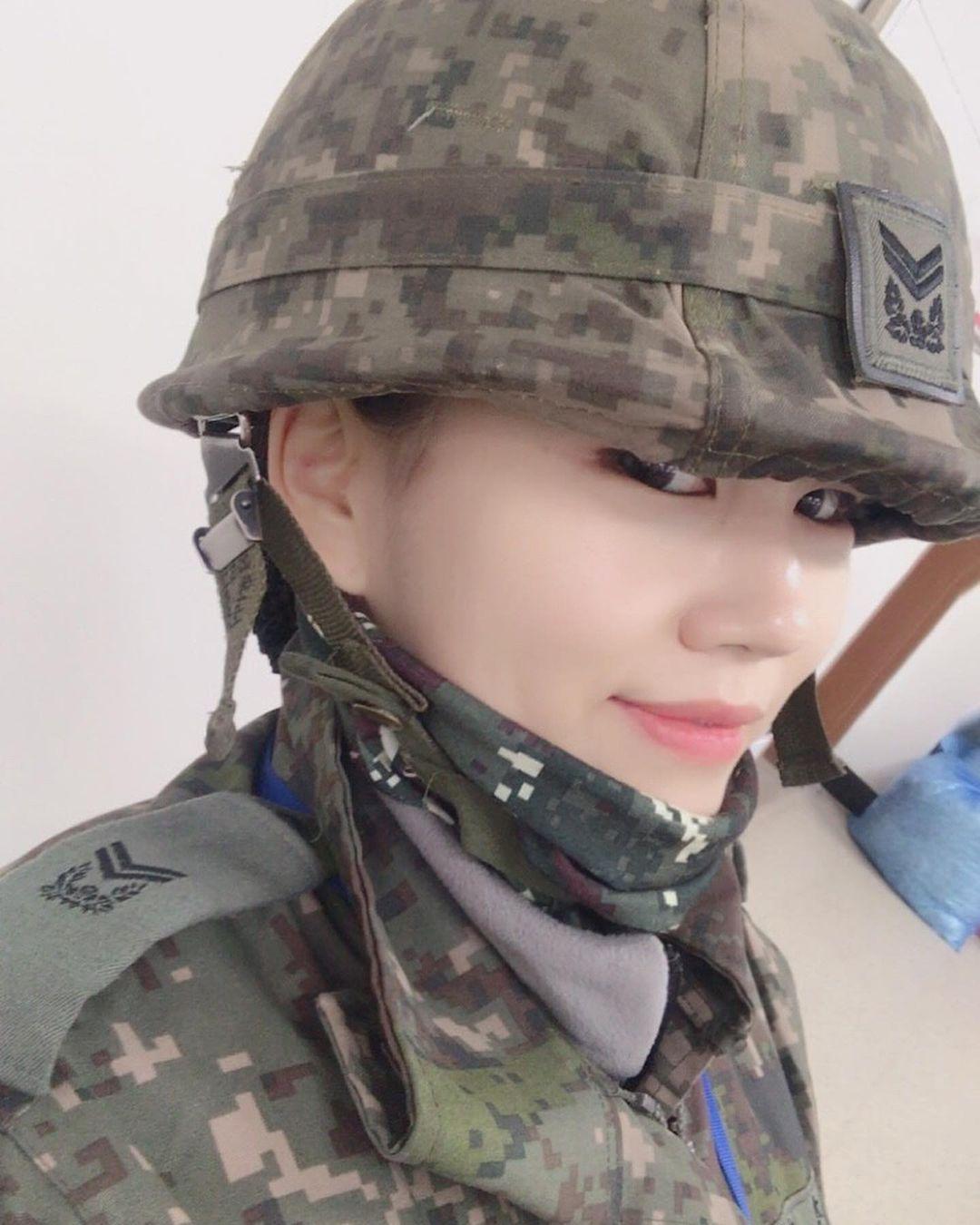 Cựu trung sĩ lục quân xứ Hàn sở hữu body đẹp như tượng - 1