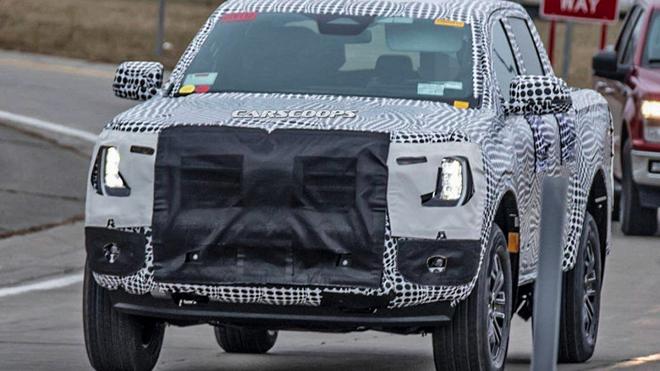 Ford Ranger thế hệ mới bị kẹt trong lớp ngụy trang trên đường thử - 1