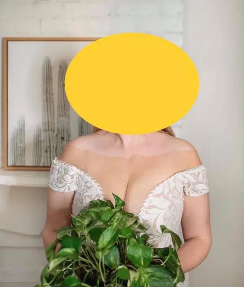 """Thiết kế váy """"báo hại"""" cô dâu bị cư dân mạng chế giễu - 1"""
