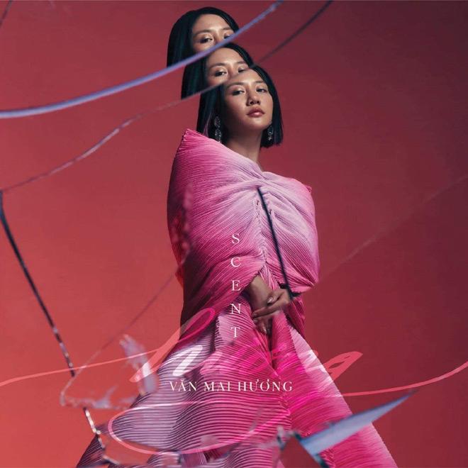 Văn Mai Hương tái xuất với hình ảnh người đàn bà gợi cảm - 1