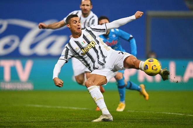 Video Juventus - Napoli: Ronaldo rực sáng, chốt hạ phút bù giờ - 1