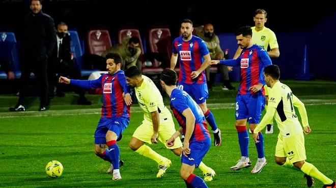 Video Eibar - Atletico Madrid: Thủ môn ghi bàn, Suarez cú đúp ngược dòng - 1