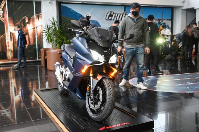 Ảnh thực tế xe tay ga hoàn toàn mới 2021 Honda Forza 750 - 1