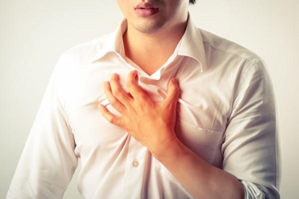 Đeo thắt lưng quá chặt là nguyên nhân gây nhiều căn bệnh nguy hiểm ở nam giới - 1