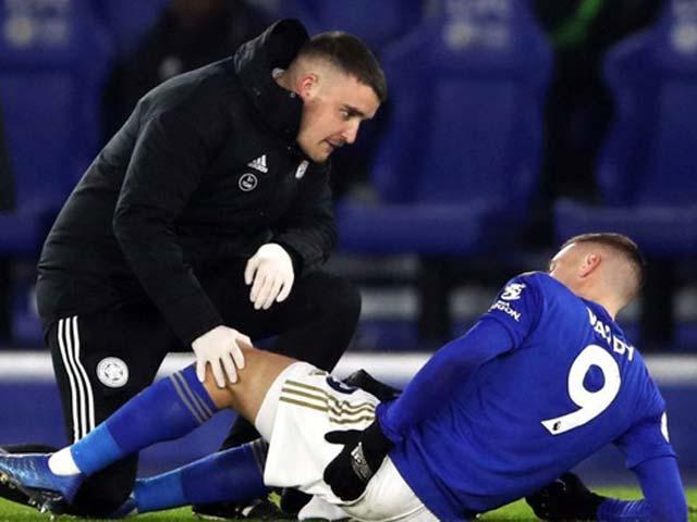 """""""Đại pháo"""" Vardy lên bàn mổ, Leicester choáng nhưng không lo lắng vì sao?"""