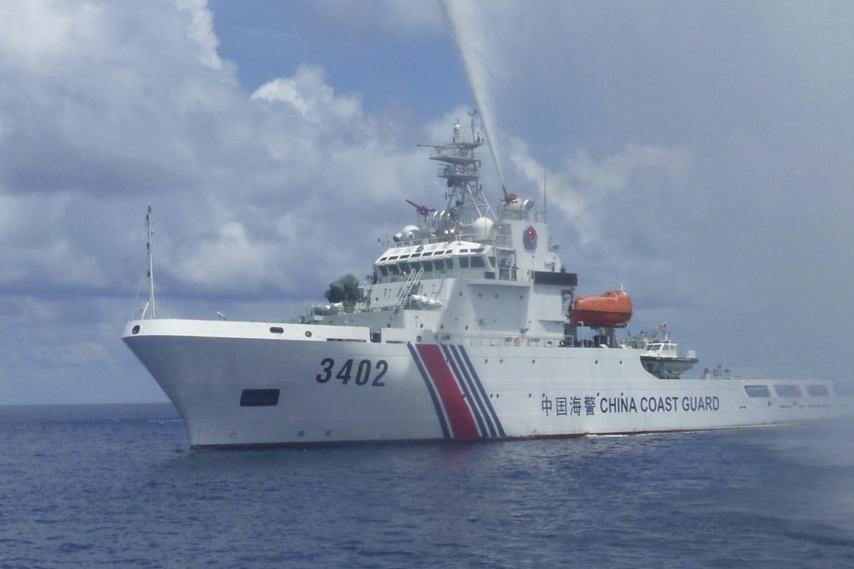TQ cho phép hải cảnh nổ súng vào tàu nước ngoài - 1