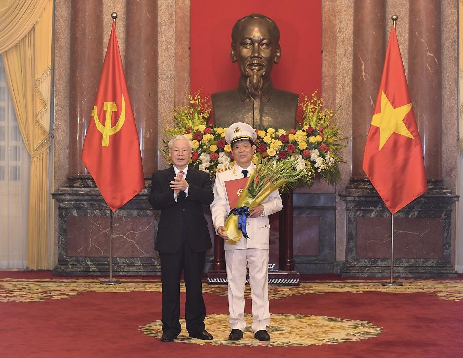 Tổng Bí thư, Chủ tịch nước thăng cấp hàm Thượng tướng cho Thứ trưởng Bộ Công an Nguyễn Văn Sơn - 1