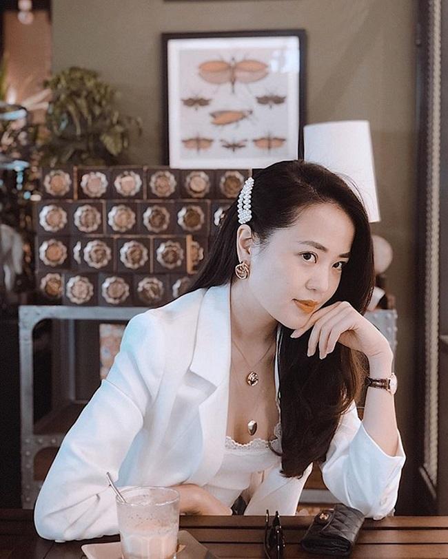 Từ đầu năm 2019, Ngọc Bích có cơ hội song hành cùng Mai Ngọc trong bản tin Việt Nam hôm nay của Ban Thời sự.