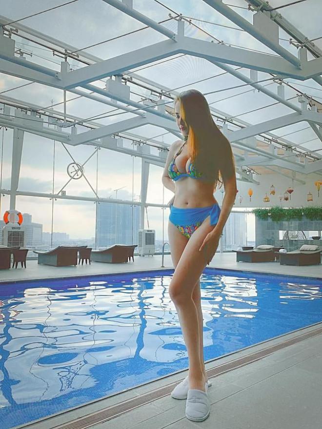 Mai Phương Thúy mặc kín mít vẫn gợi cảm, Diễm Hương khoe dáng nóng bỏng với bikini - 3