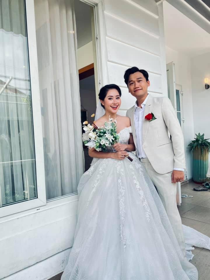 Mr. Cần Trô đăng ảnh cưới, cô dâu hóa ra là người quen của showbiz - 1