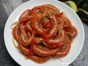 Tôm chua đỏ rực vị cay mặn ngọt hài hòa, món ngon không thể thiếu ngày Tết