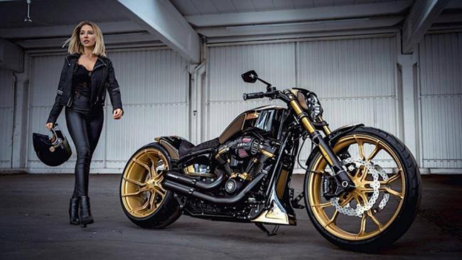 Thunderbike đã tạo nên Harley-Davidson GP S Le Mans từ Harley-Davidson Breakout, là một trong những bản độ dành cho đường đua Le Mans khắc nghiệt