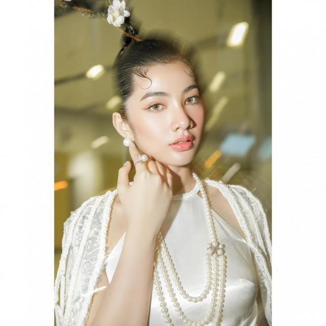 Người đẹp Cẩm Đan diện áo yếm gợi cảm kiêu kỳ - 1