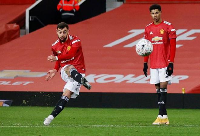 """Fernandes dạy cả đội đá penalty: MU sẽ sút 11m """"bá đạo"""" nhất Ngoại hạng Anh? - 1"""