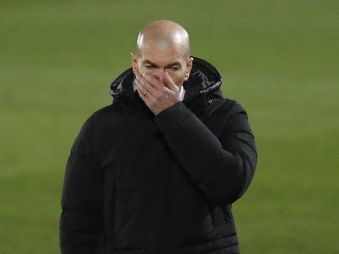 Nội chiến Real: Đội bóng chia rẽ làm hai, những ai muốn lật đổ Zidane? - 1