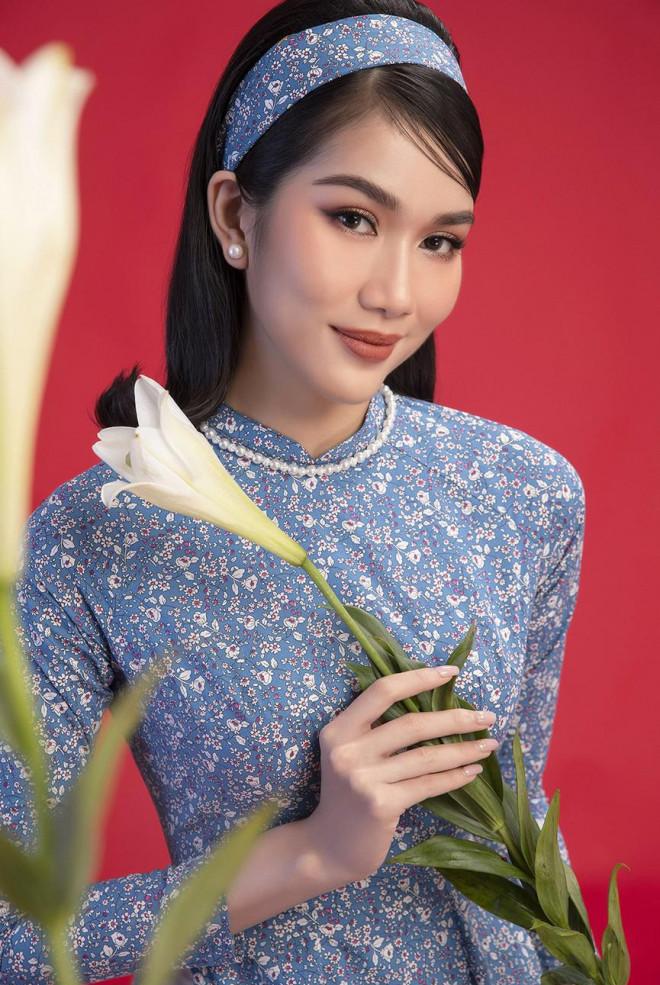 Diện áo dài Tết theo phong cách xưa, Top 3 HHVN 2020 đẹp như minh tinh thập niên 50 - 4