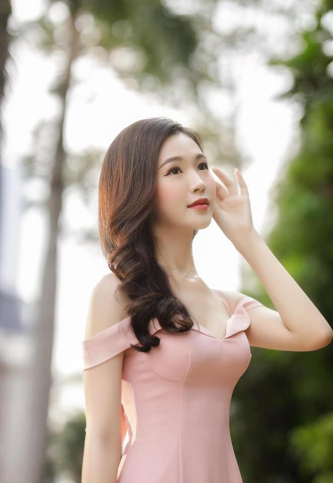Người đẹp được yêu thích nhất HHVN 2020 khoe nhan sắc 'thần tiên tỷ tỷ' - 1