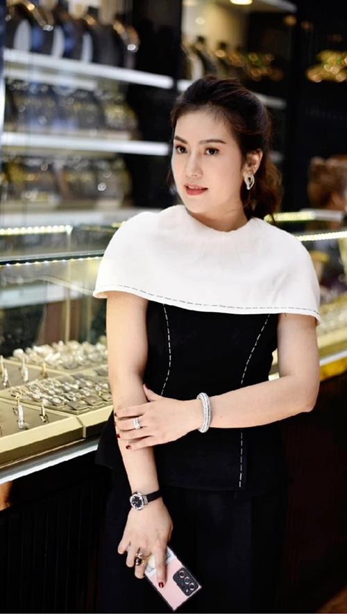 Nguyễn Lê Hoàn Nguyên: 8X khởi nghiệp từ niềm đam mê đá phong thủy - 1