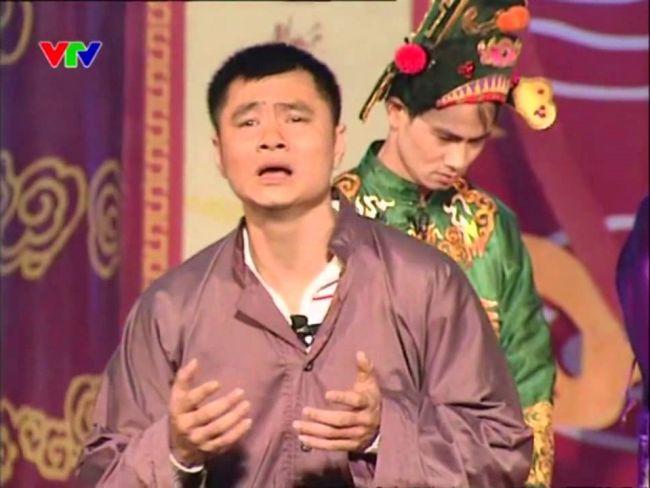 Để có được ngày hôm nay, Tự Long đã từng có thời gian dài khó khăn, phải làm đủ nghề đề mưu sinh.
