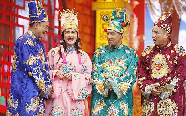 """Nghệ sĩ Công Lý, Chí Trung, Tự Long... được biết đến là những tên tuổi nổi bật của làng giải trí Việt. Đây là những nghệ sĩ quen thuộc xuất hiện trong chương trình """"Táo Quân"""" từ những lần phát sóng đầu tiên. Thành công trong sự nghiệp, được nhiều người yêu mến nhưng ít ai biết rằng những nghệ sĩ này đã trải qua những ngày quá khứ khó khăn."""