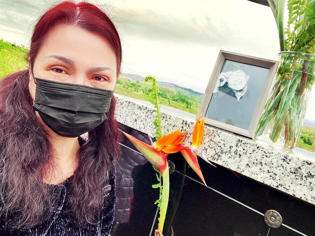 Cuộc sống của vợ nghệ sĩ Chí Tài sau 1 tháng chồng qua đời - 1