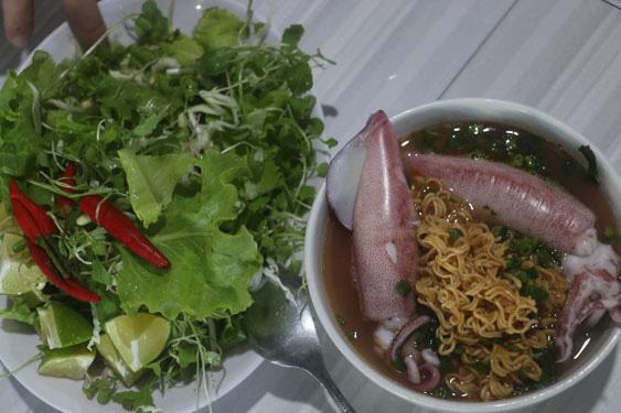 Chắt chắt và mực Cửa Việt, chưa ăn là thiệt - 1