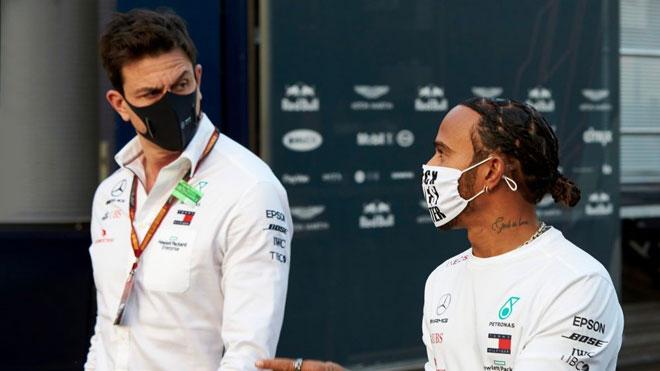 """Đua xe F1, Lewis Hamilton: Tham vọng lên ngôi lần thứ 8, """"cuộc chiến tâm lý"""" với """"mũi tên bạc"""" - 1"""