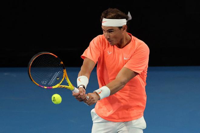 Nadal chạy đà làm nóng trước Australian Open: Thắng Thiem chỉ sau 2 set - 1