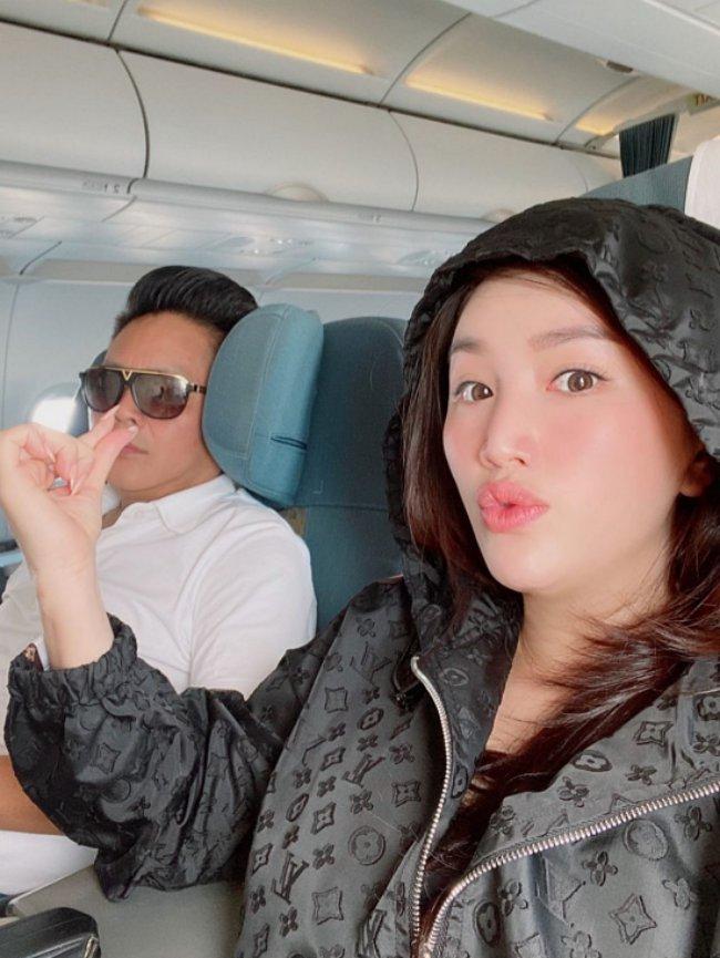 Bảo Thy kết hôn với ông xã Phan Lĩnh là một doanh nhân, đại gia giàu khét tiếng ở Hà Tĩnh vào cuối năm 2019.