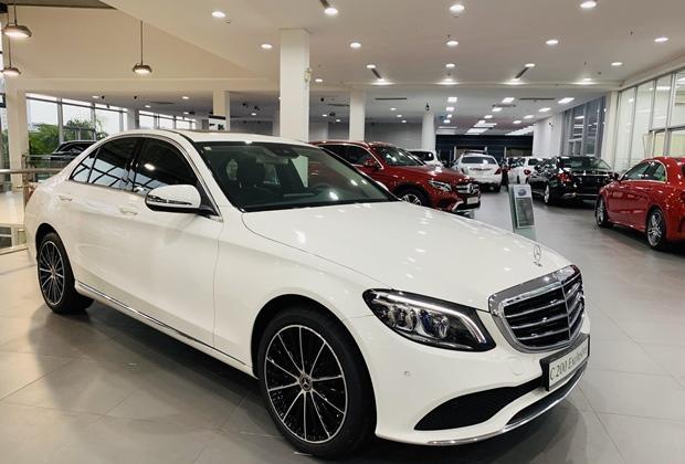 Giá xe Mercedes C200 mới nhất 2021: Cập nhật giá mới và thông số - 1