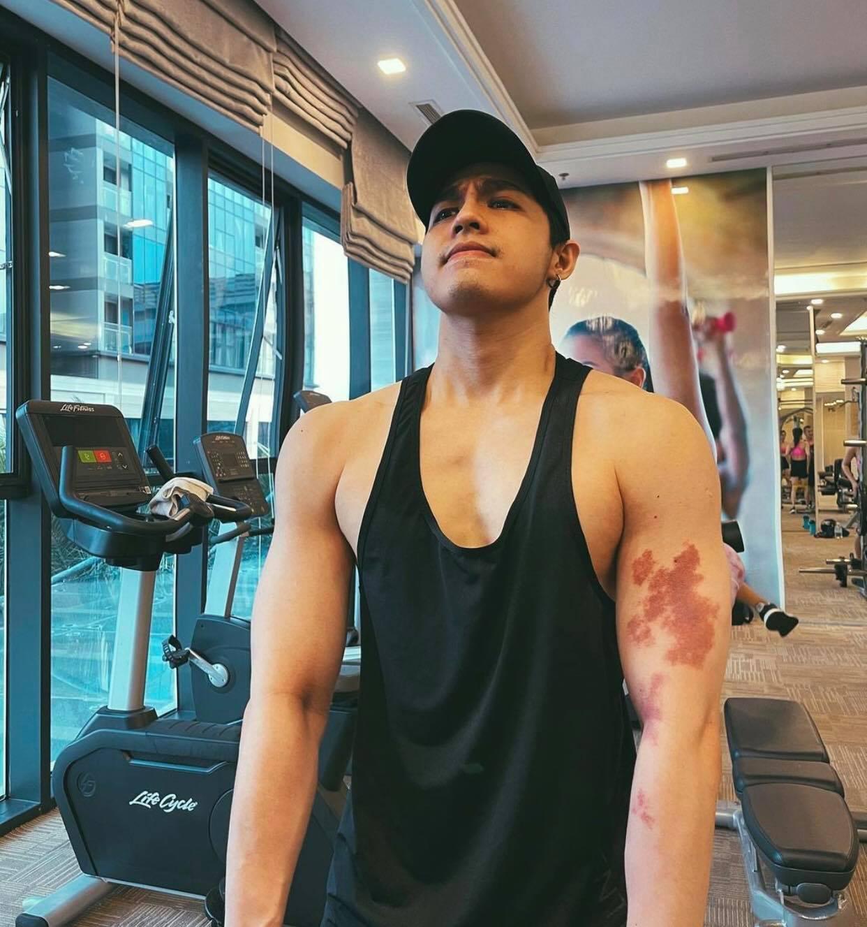 Bạn trai Mai Phương Thuý được ngưỡng mộ vì body cuồn cuộn như đô vật nhờ tập gym - 1